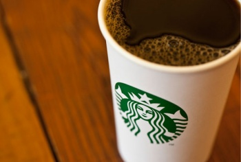 how Starbucks does marketing and branding
